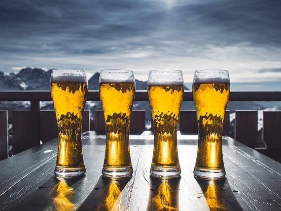 4杯のグラス