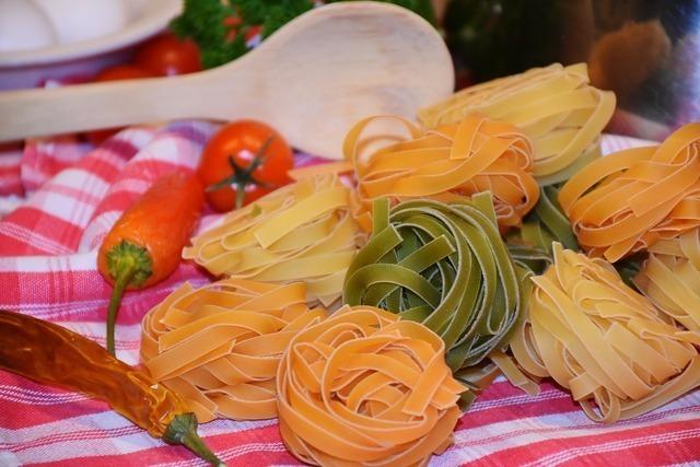 野菜入りのパスタ