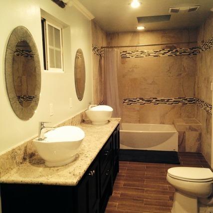 温泉施設のシャワールーム