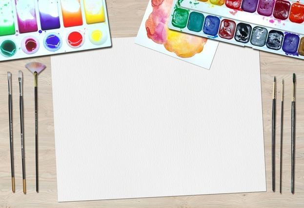 画用紙と絵の具