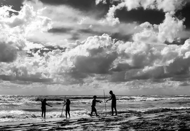 海辺の子供たち