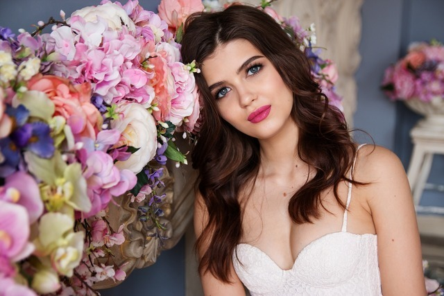 花と女性画像