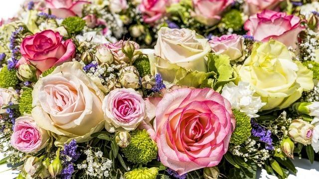 華やかなバラのブーケ