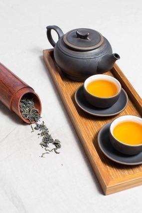 トレーとお茶
