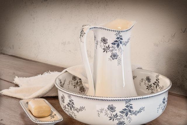 花柄の洗面器