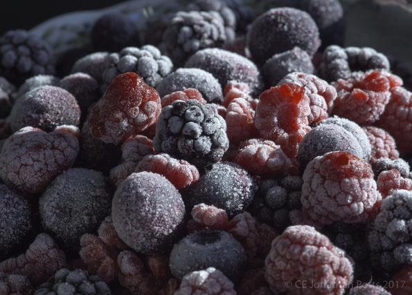 凍らせたフルーツ