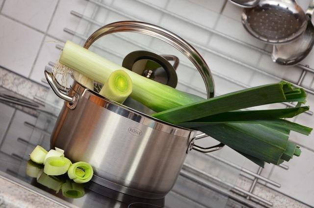 野菜が入った鍋