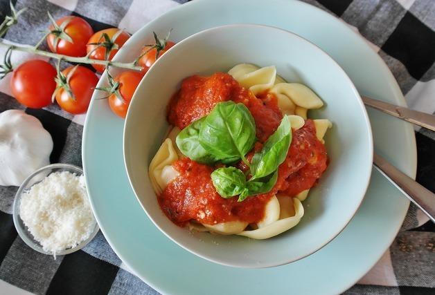 ショートパスタとミニトマト