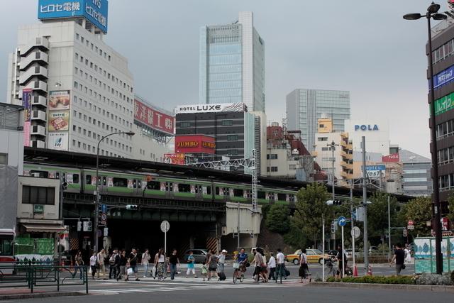 五反田駅前道路から見た五反田駅