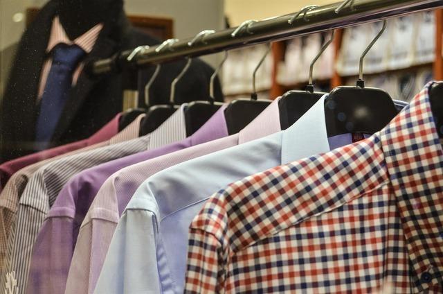 多彩なシャツ