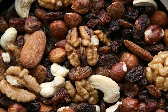 たくさんのナッツ