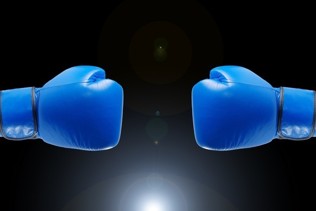 青いグローブ