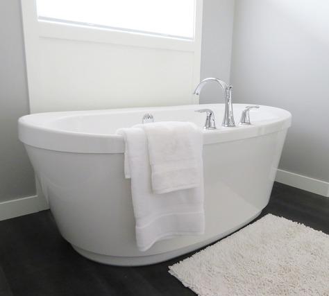 浴槽とタオル