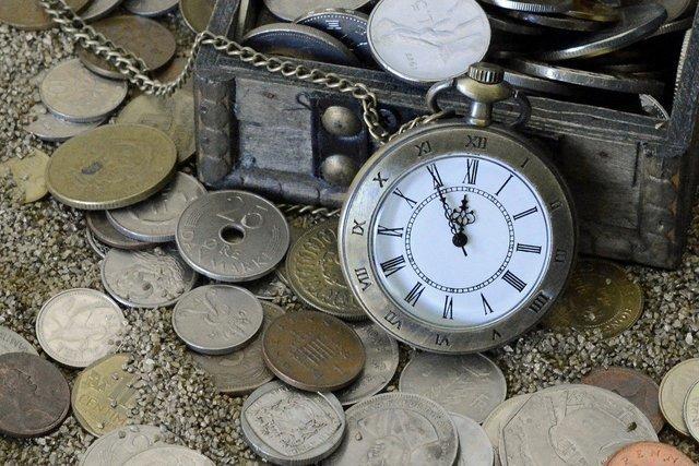 コインと懐中時計