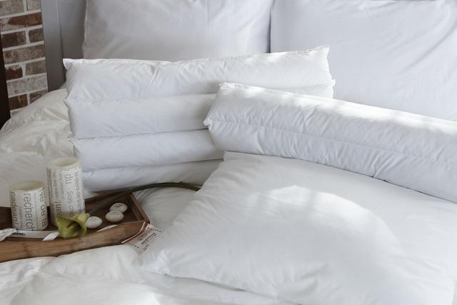 ウレタンフォーム低反発キルト枕