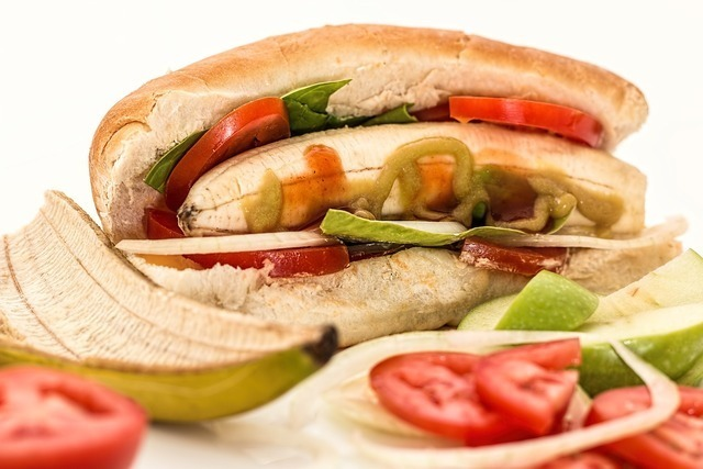 サンドイッチや野菜