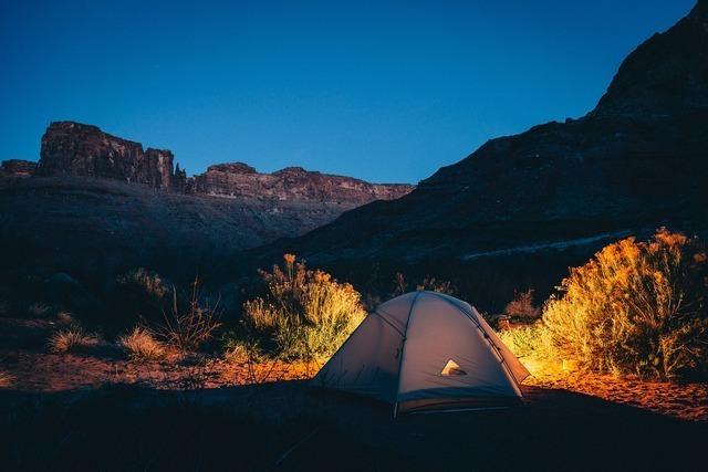 夜空にテント