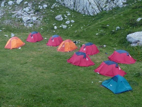 たくさんのテント