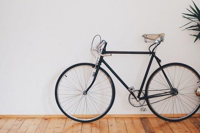 シンプルなデザインの自転車