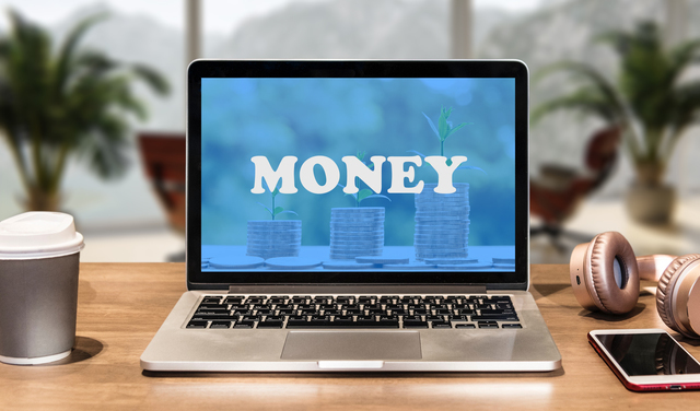 moneyと表示されたパソコン