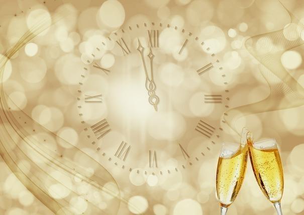 もう少しで新年を迎える時計