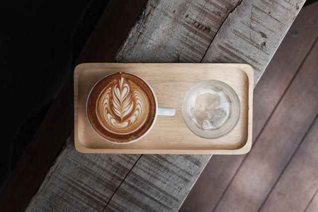 コーヒーとトレー