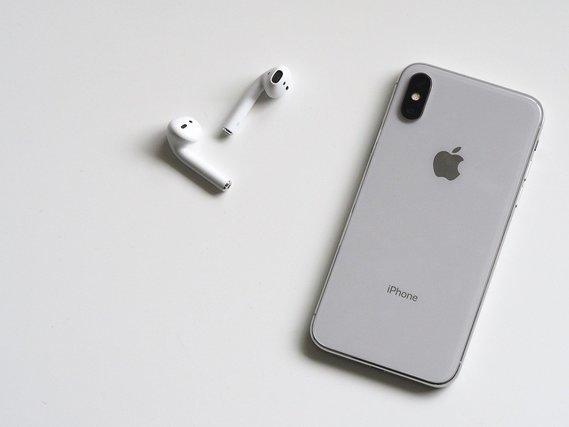 iPhoneとワイヤレスイヤホン