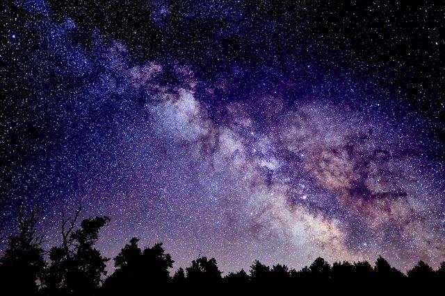 キャンプ場から見える星空