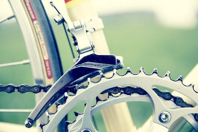 自転車のチェーン部分