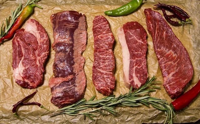 たくさんの牛肉