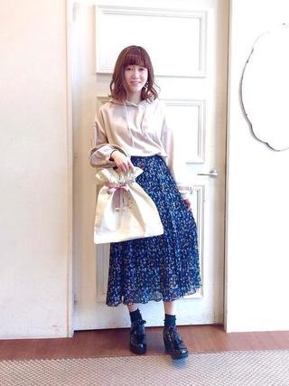 スカート×パーカー