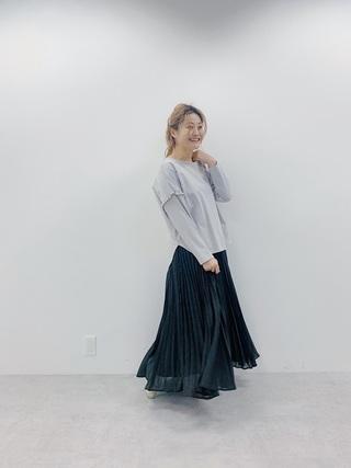 マキシ丈スカート×フリルカットソー