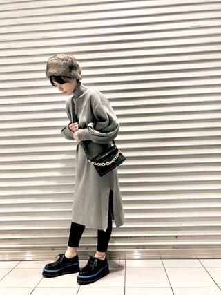 ファー帽子×ニットワンピコーデ