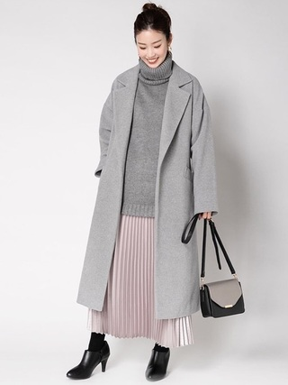 ロングスカートとトレンチコートのコーデ