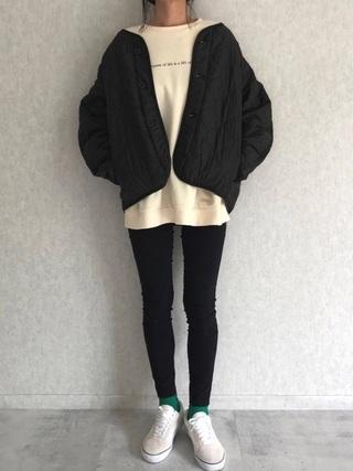 黒ジャケットコーデ
