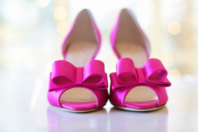 ピンク色のミュール