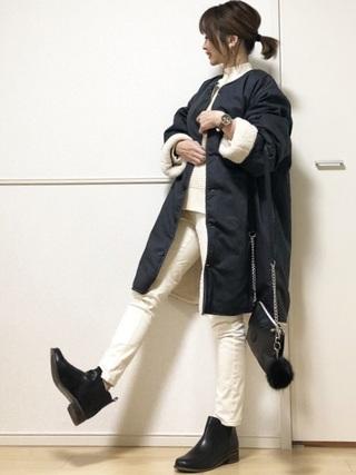 白スキニーとノーカラージャケットのコーデ