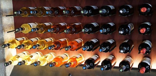 綺麗に並べられたワイン