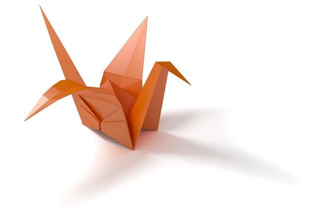 折り紙でできた綺麗な鶴