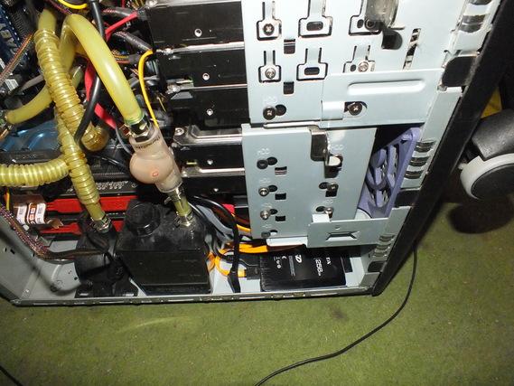 PCケース左側面
