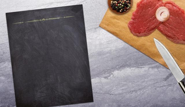 肉とナイフ