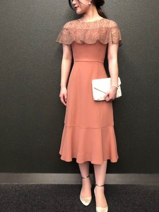 オレンジのドレス