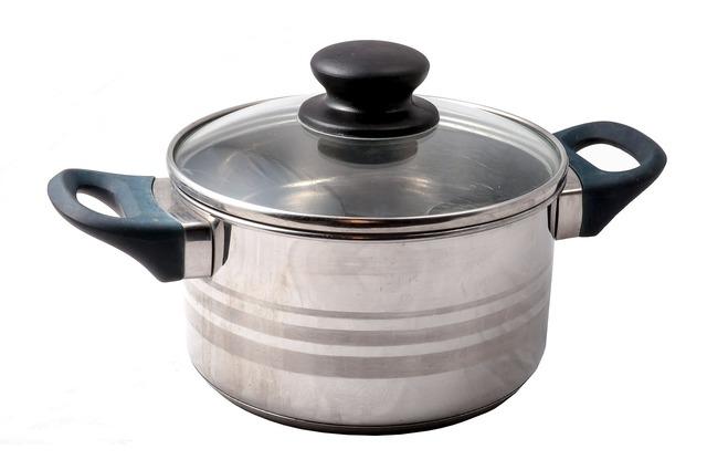 シンプルな両手鍋