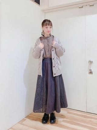 カーディガン×ロングスカート
