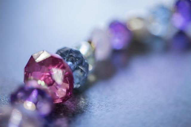 宝石のブレスレット
