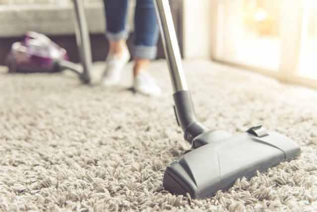 部屋をキレイに掃除する