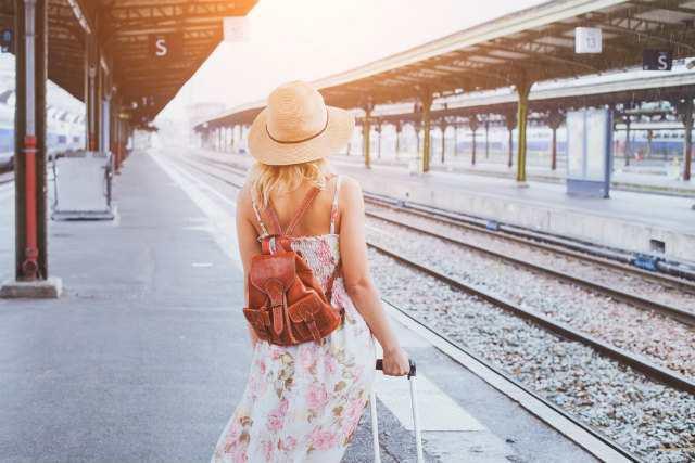 旅立つ少女