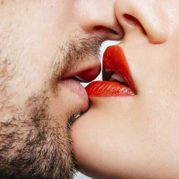 と する 同性 占い キス 夢
