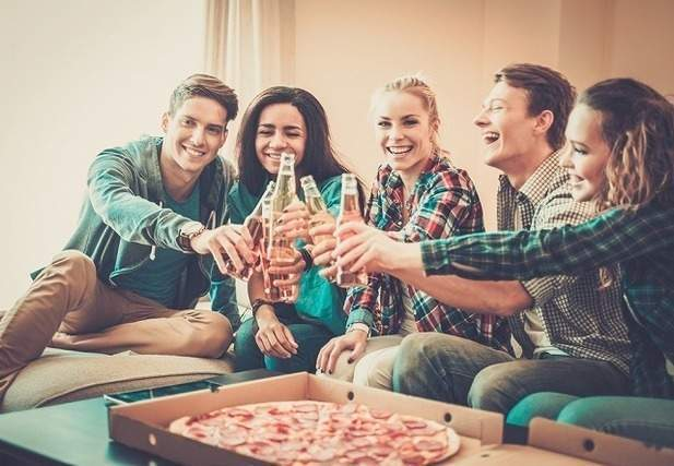 友達とパーティー