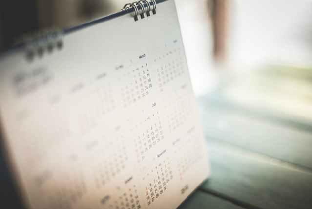 数字が載っているカレンダー